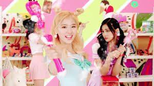 TWICE日本人の韓国語で歌う姿が魅力的☆(YouTube動画あり)